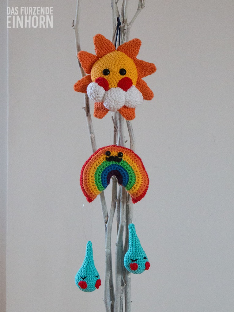 Baby_Crib_Weather_Mobile-Crochet