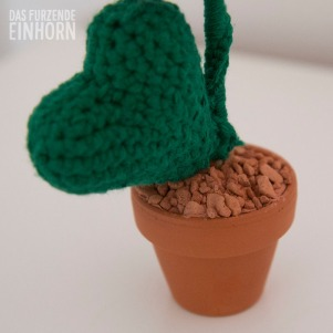crochet-flower-pot