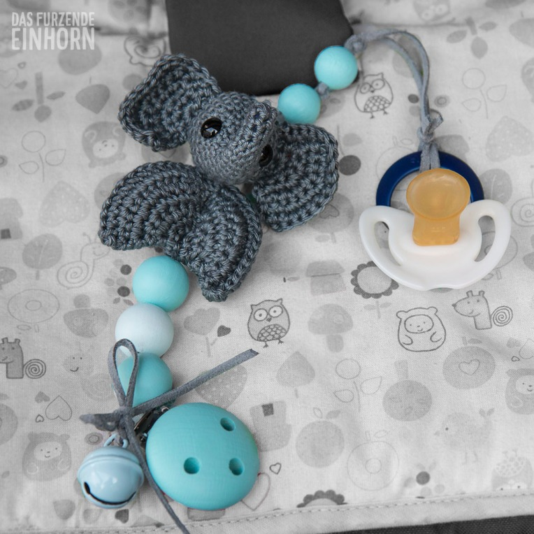 Schnullerkette-Elefant-sw