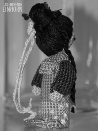 How to crochet a geisha