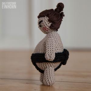 Amigurumi-Sumo-Crochet-side