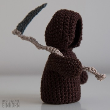 crocheted-death