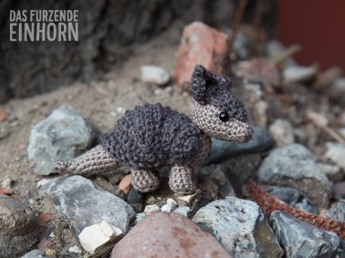 crochet small armadillo