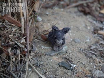 Niedliches Miniatur-Gürteltier gehäkelt