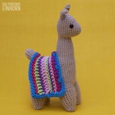 Crochet a Lama left