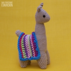 Crochet a Lama left